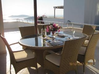 Stunning seaview penthouse for 4 (CDN3), Yalikavak