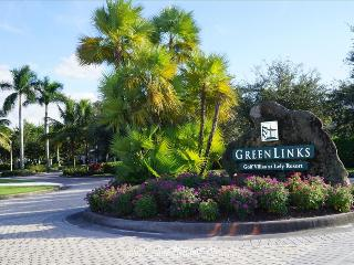 GREENLINKS 1712 - Lake View 2 Bedroom Golf Villa, Naples