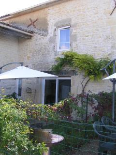 Andromeda ,Beautiful 3 bedroom gite,  Near La Rochelle
