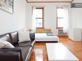 Amazing renovated UES studio!, New York City