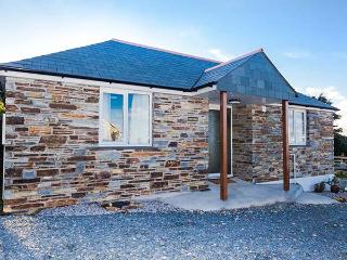 SUNSET COTTAGE, detached, single-storey, romantic retreat, close to shop and pub, near Tintagel, Ref 918337