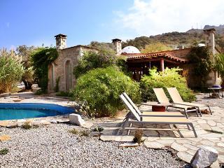 413- Stone Villa With Private Pool in Turgutreis