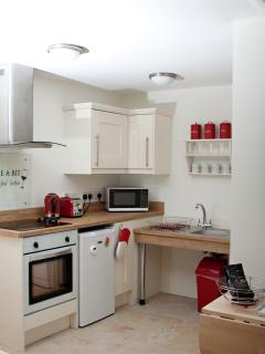 Fully equipped kitchen with everything from fan-oven to dishwasher