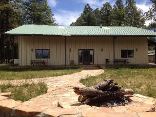 The Bunkhouse@Mama's Ranch, Sleeps 20, Flagstaff