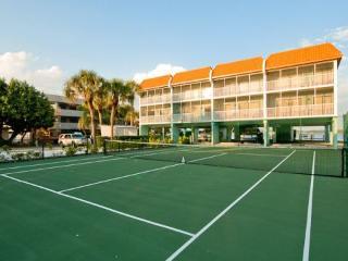 Complex Tennis courts- Love Set Match