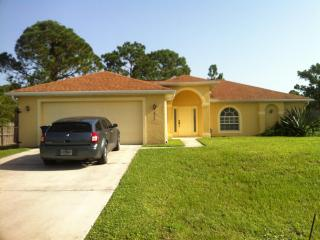 Huge Vacation Family Home!!  Beach. Shopping., Lehigh Acres
