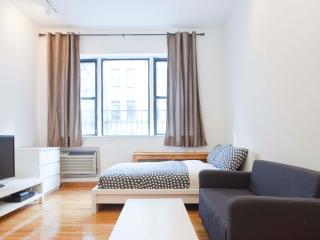 Renovated UES studio in a great location, New York