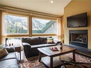 Beautiful Condo 4 minute drive from Snowbird | HN