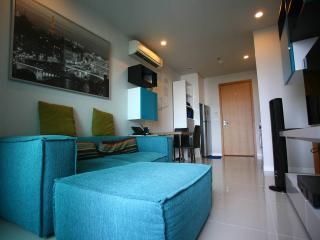 Cheerful, Convenient, Stylish Home Near CityCenter, Bangkok