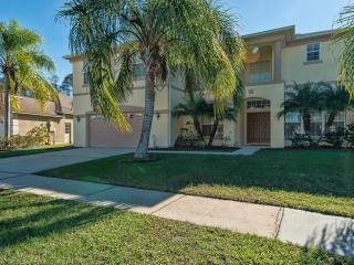 Tulip Blossom Villa with Hot Tub and Pool, Kissimmee