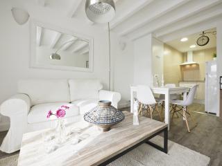 White Flat B51, Barcelona