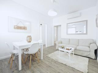 White Flat G26, Barcelona