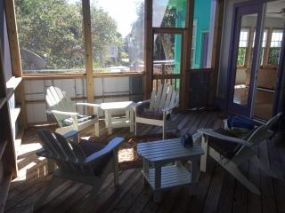 Beautiful Folly Retreat!  Just steps to beach/Center Street, pets considered