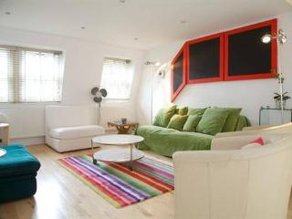 Charming 2 bed short term rental in Notting Hill, London