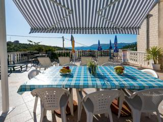Villa Arka -  Standard One-Bedroom Apartment with Sea View (3 Adults), Cavtat
