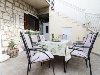Apartments Katarina -  Two-Bedroom Apartment with Balcony and Sea View, Slano