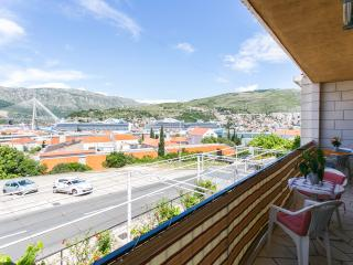 Guest House Bridge View - Studio with Balcony and Sea View, Dubrovnik
