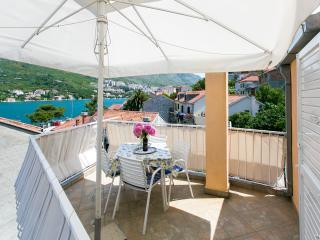 Apartment Darija - Two-Bedroom Apartment with Terrace, Mokosica
