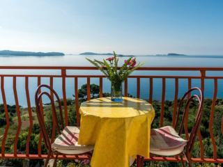 Guest House Fontana - One-Bedroom Apartment with Sea View (2-3 Adults), Mlini