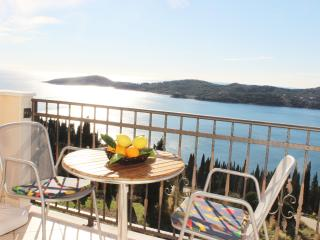 Apartment Bralovic - One-Bedroom Apartment with Balcony and Sea View, Dubrovnik
