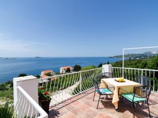 Apartmetns Sandito-One-Bedroom Apartment with Balcony and Sea View, Mlini