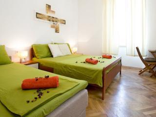 Rooms Eden -Superior Triple Room with Private Bathroom, Dubrovnik