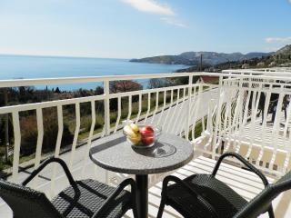 Villa Samba - One-Bedroom Apartment with Balcony and Sea View No3 (2+2), Plat