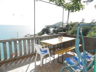 Villa Soti -Two-Bedroom Apartment with Balcony and Sea View (3), Mlini