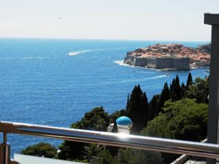 Sea View Apartments- Two-Bedroom Apartment with Balcony and Sea View Frana Supila, Dubrovnik