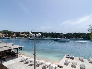 Rooms Cavtat Old Town - Triple Room with Sea View (First Floor)