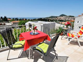 Villa Katarina - One-Bedroom Apartment with Terrace and Sea View (First Floor), Dubrovnik