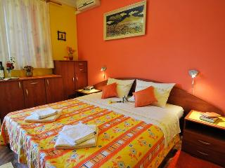 Villa Katarina - Double Room with Terrace and Sea View (Ground Floor), Dubrovnik