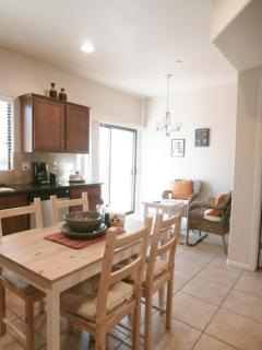 Breakfast Nook/Kitchen Table