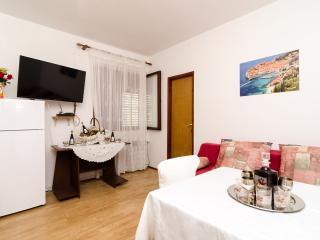 Guest House Kola - Standard Double Room with Balcony, Slano