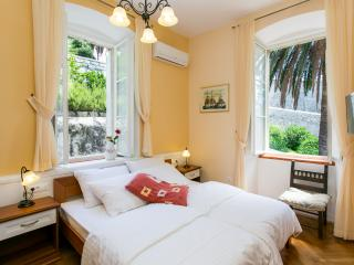 Rooms Posat - Double Room with City View