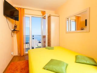 Ploce Apartments-One-Bedroom Apartment with Balcony and Sea View - Ante Topića Mimare 10 Street, Dubrovnik