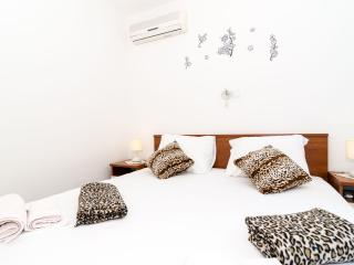 Guest House Daniela - Double Room with Balcony and Sea View, Mlini