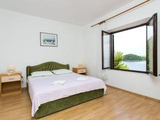 Apartments Marija- One-Bedroom Apartment with Sea View, Sobra
