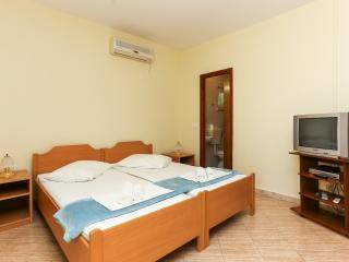 Apartments Zupcica - One-Bedroom Apartment with Balcony and Sea View, Mlini