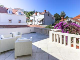Apartments Van Gogh - Two Bedroom Apartment with Terrace, Dubrovnik