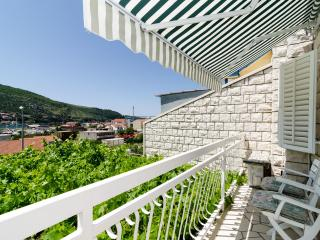 Guest House Rozić - Two-Bedroom Apartment with Sea View 1