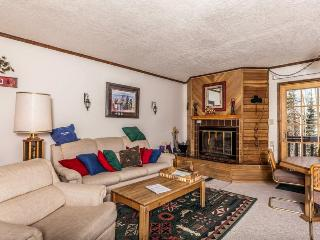 Secluded dog-friendly condo w/jetted tub, 2 porches + close proximity to slopes!, Brian Head