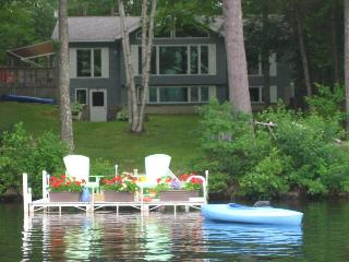DUCK INN - WAYNE, MAINE | ON DEXTER POND | KAYAKING, FISHING, SWIMMING, BIRDING
