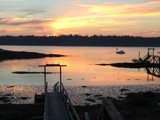 FAIRVIEW | BOOTHBAY MAINE | SALT WATER RIVER | DOCK & FLOAT | SLEEPS SIX, Boothbay