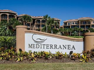MEDITERRANEA 302-2BR/2.5 BA,LARGE RESORT POOL,GULF VIEWS,GATED BEACH ACCESS!