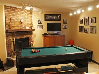 Located at Base of Powderhorn Mtn in the Western Upper Peninsula, Spacious Trailside Home with an Outdoor Hot Tub & Indoor Whirlpool, Bessemer