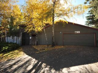 2130 Monterey Drive, South Lake Tahoe