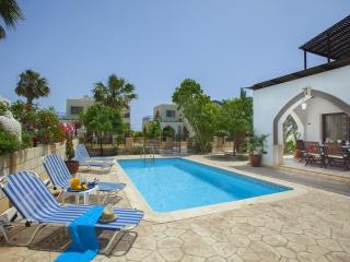 Villa Euphoria, Minutes from the Beach