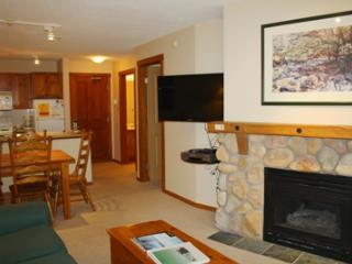 Fireside Lodge Village Center - 315, Sun Peaks