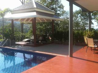 Villa with private swimming pool Kamala